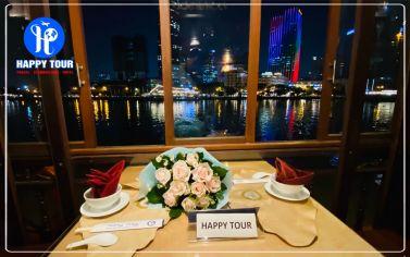 Thuyền buồm Đông Dương về đêm